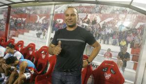 """La B Nacional ya se devoró al cuarto técnico en 10 fechas, """"Miliki"""" Jiménez se fue de Instituto"""