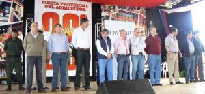 Pese al tiempo adverso, la gente respondió y participó de la Fiesta del Agricultor