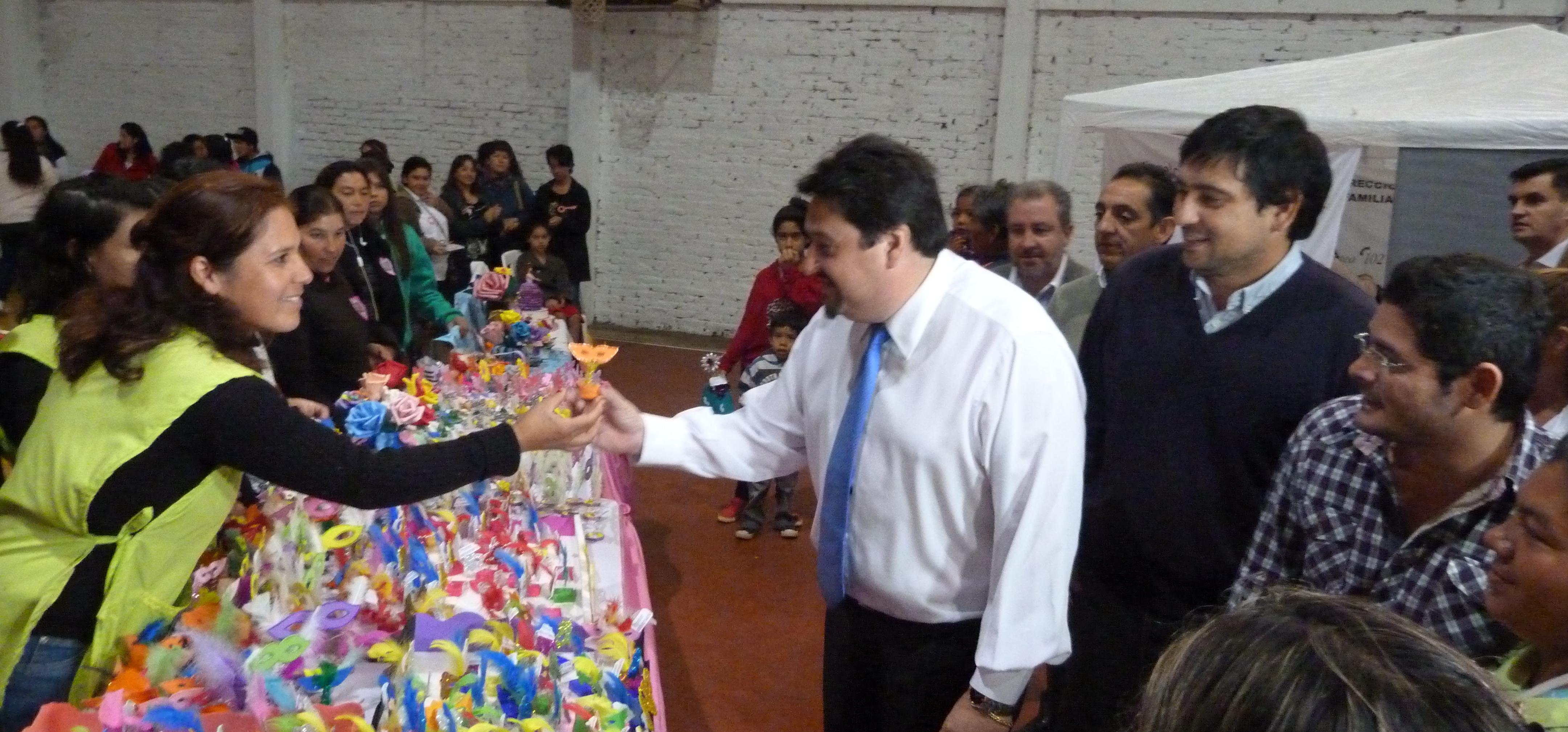 """Primer aniversario del """"Ellas Hacen"""", un programa que ya reúne a 2.500 mujeres de Posadas y Eldorado"""