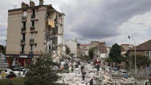 París: siete muertos y 11 heridos por desplome de un edificio