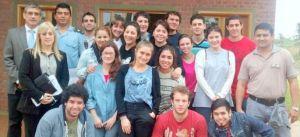 Estudiantes universitarios junto al juez Yaya, visitaron el penal de Loreto