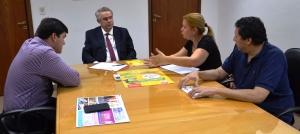 El gobernador Gneiting se interiorizó sobre la Feria Internacional de Turismo