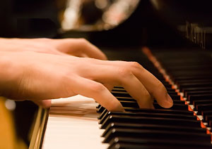 Este miércoles en la Esmu: Jóvenes Pianistas en Concierto