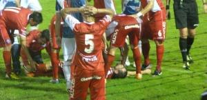 """Le salió """"caro"""" al Bicho el partido en Villa Sarita: se confirmó que Lucas Rodríguez tiene fractura de peroné"""