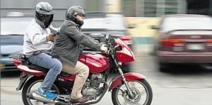 Investigan  el robo  500 pesos y un celular a dos jóvenes por parte de motochorros