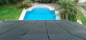 Calefaccionan piscinas con energía solar