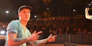 Multitudinario festejo en el día de los estudiantes y la primavera en Montecarlo