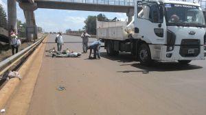 Un automovilista embistió a un ciclista y huyó