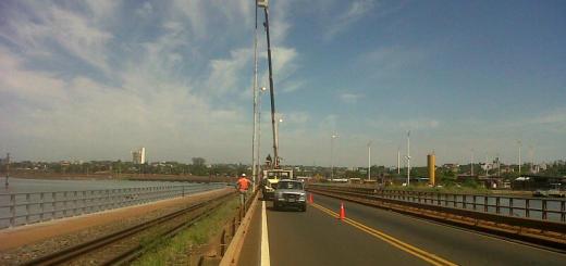 Cortarán parcialmente el tránsito sobre el puente Posadas-Encarnación por tareas de mantenimiento