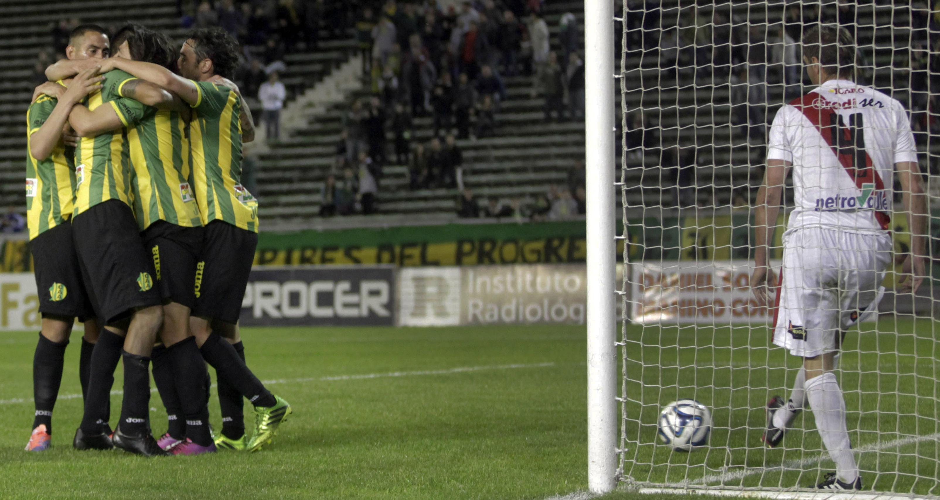 Guaraní cayó 2 a 0 ante Aldosivi y se hunde en el fondo