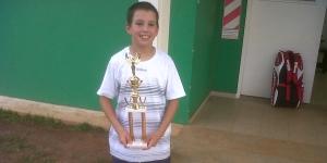 Con doce años se entrenan en el CePARD y salieron campeones nacionales de tenis