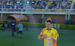"""Se desgarró Ariel Cólzera y está descartado para jugar ante Tigre, entraría un paraguayo: """"Pinti"""" Alvarez o Nico Martínez"""
