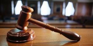 Llega a juicio oral un hombre acusado de matar al hermano de un escopetazo