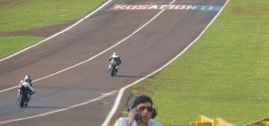 Motociclismo: a 300 km/hora, Silveira va por el título; desde las 14 en el Rosamonte