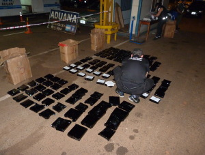 Detienen  a camionero paraguayo con 204 kilos de marihuana