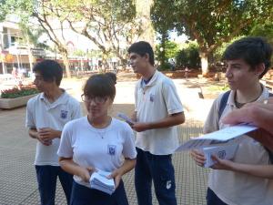 Alumnos del Instituto Posadas hablaron sobre internet segura para adolescentes