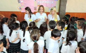 La carrera de Nutrición de la Barceló realizó la feria de la Alimentación Saludable en el colegio Siglo XXI