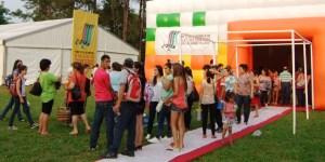 Los turistas están encantados con el Festival Internacional de Cine de las Tres Fronteras, en Iguazú