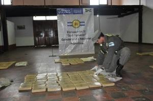 Gendarmería incautó más de 430 kilos de marihuana y 2 kilos de cocaína en Misiones y Santa Fe