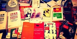 """Escuelas misioneras recibirán la colección de poesía """"Juan Gelman"""" en 45 días"""