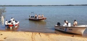 Ituzaingó: una lancha con tres pescadores posadeños se dio vuelta y hay un desaparecido