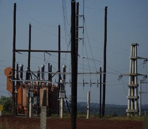 Nuevo transformador. El sistema eléctrico provincial suma infraestructura.