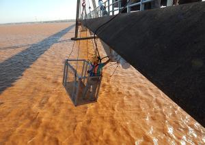 Avanzan las tareas de mantenimiento del puente Posadas-Encarnación
