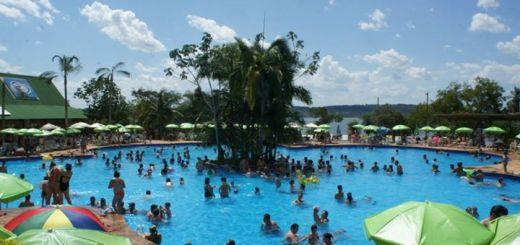 Club de Río playa, selva y mucha diversión a 60 kilómetros de Posadas