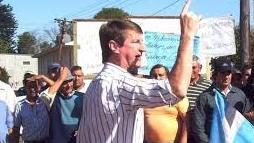 Coleco Krysvzuk y su hijo enfrentaron a los tiros a la Polícia: el ex intendente alcanzó a escapar a Brasil