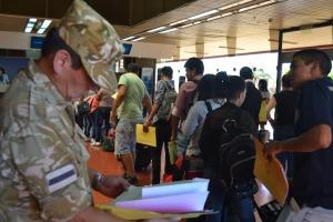 Unos 250 misioneros viajan al sur del país para ingresar al Ejército
