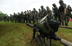 """""""Locos de la guerra"""": con lluvia y todo, recrearon una famosa batalla de Vietnam"""