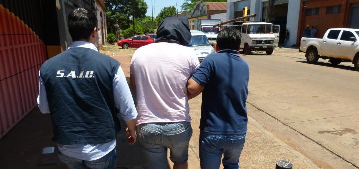 Mafia de los autos robados: detienen a quien supuestamente conseguía los oficios truchos y falsificaba la firma del juez