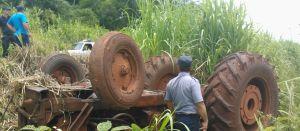 Un hombre murió aplastado por el tractor que conducía