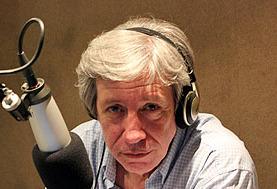 Lesa humanidad: piden la captura del periodista Carlos Carvallo de FM Show, radio vinculada al grupo Clarín