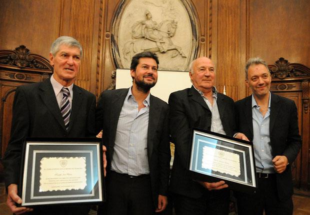 """El """"Lobo"""" Fischer, uno de los mejores futbolistas misioneros de la historia, homenajeado en la Legislatura Porteña"""