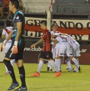 Apareció Barinaga y Guaraní venció a Douglas Haig por 3 a 1
