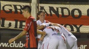 B Nacional: Guaraní ganó en Pergamino y sueña con salvarse del descenso