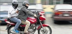 Detuvieron en Posadas a motochorros que minutos antes le robaron la cartera a una mujer