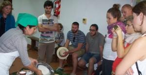 Estudiantes gastronómicos de Italia visitaron la Cocina Regional del museo Andrés Guacurarí en Posadas