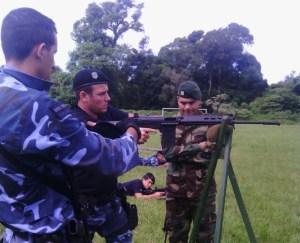 Efectivos del GOE realizaron curso de capacitación en tiro y manejo de armas en Iguazú