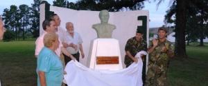 El primer busto de Andresito como General fue emplazado en el Regimiento de Monte 30 de Apóstoles