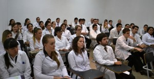 Once misioneros entre los 37 nuevos médicos que egresaron de la Fundación Barceló