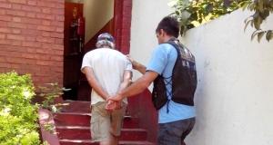 Detienen a un hombre por abuso sexual, cuando intentaba salir del país