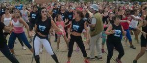 Más de un millar de posadeños se sumaron a la campaña #BailemosTodos