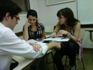 Charla-debate sobre la experiencia de estudios de posgrado en el exterior