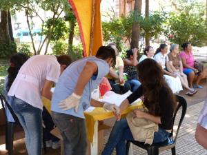 Realizan test de VIH en la plaza San Martín