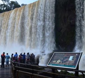 Cataratas del Iguazú es el principal destino turístico contratado desde celulares