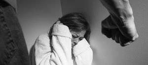 Detuvieron a un joven por agredir a su pareja embarazada