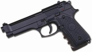 Tras un choque detuvieron a un joven que iba en una moto con un arma de juguete y un destornillador