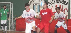 Futsal: Cocacoleros y Los Facheros se metieron en semis